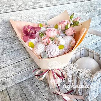 Букет из зефира и орхидеи